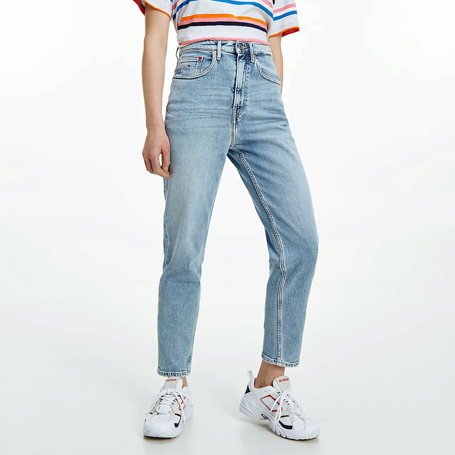Tommy Jeans Mom Jean Uhr Tpr Ae611 Lbc (9000088551_55447)