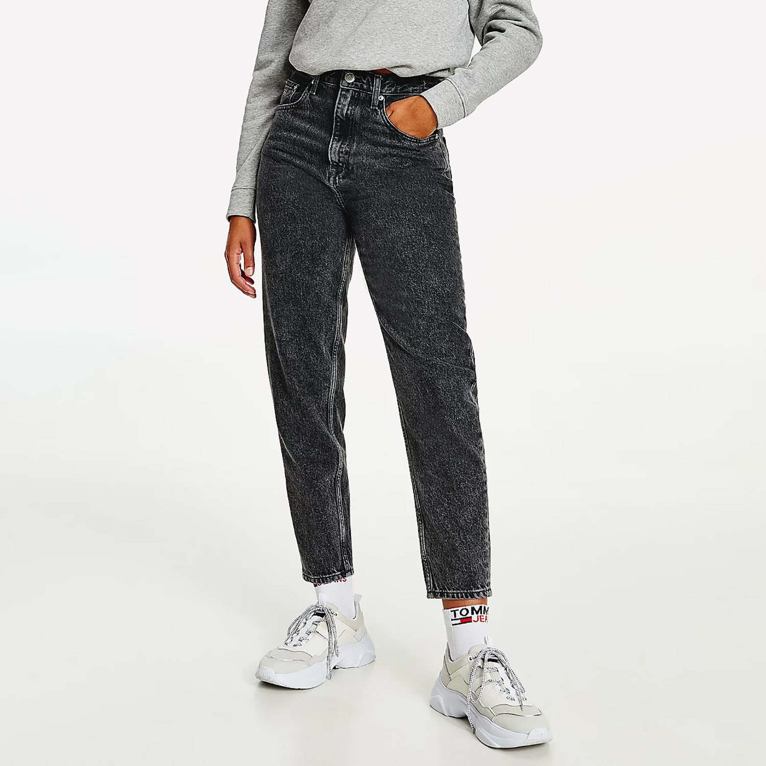 Tommy Jeans Mom Ultra High Rise Tapered Faded Γυναικείο Jean Παντελόνι (Μήκος 30L) (9000090058_36156)